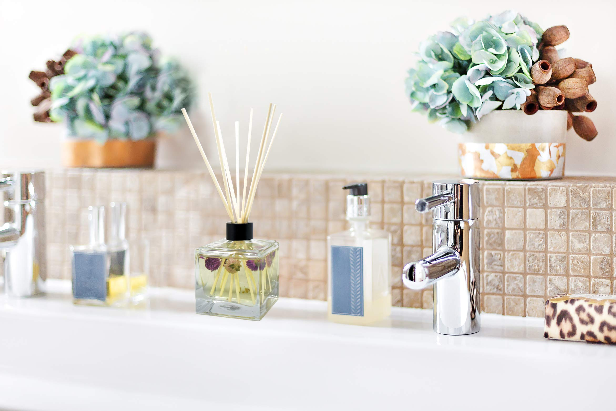 LOVSPA Fresh Cut Flowers Reed Diffuser Oil and Sticks Gift Set | Spring is in The Air! A Floral Medley of Sweet Lilac, Pink Freesia, Hyacinth, Rose & Green Ivy Leaves | Real Flowers in The Bottle! by LOVSPA (Image #4)
