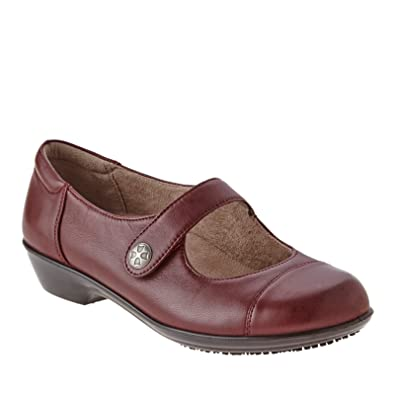 Naturalizer Women's Brazyn Bordo Leather Flat 6 W ...