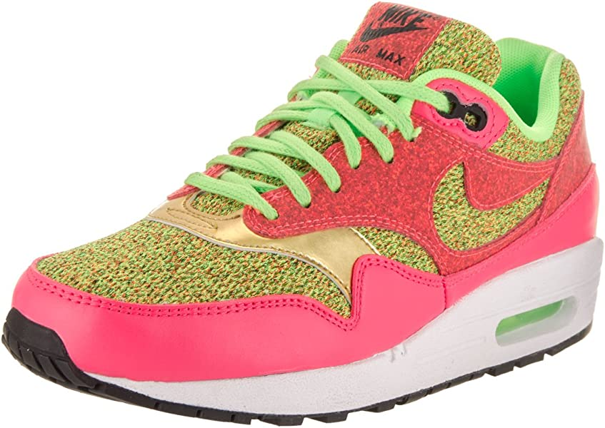 new style b03e5 fdd7b Amazon.com   NIKE Women s Air Max 1 SE Ghost Green Ghost Green Running Shoe  5 Women US   Road Running
