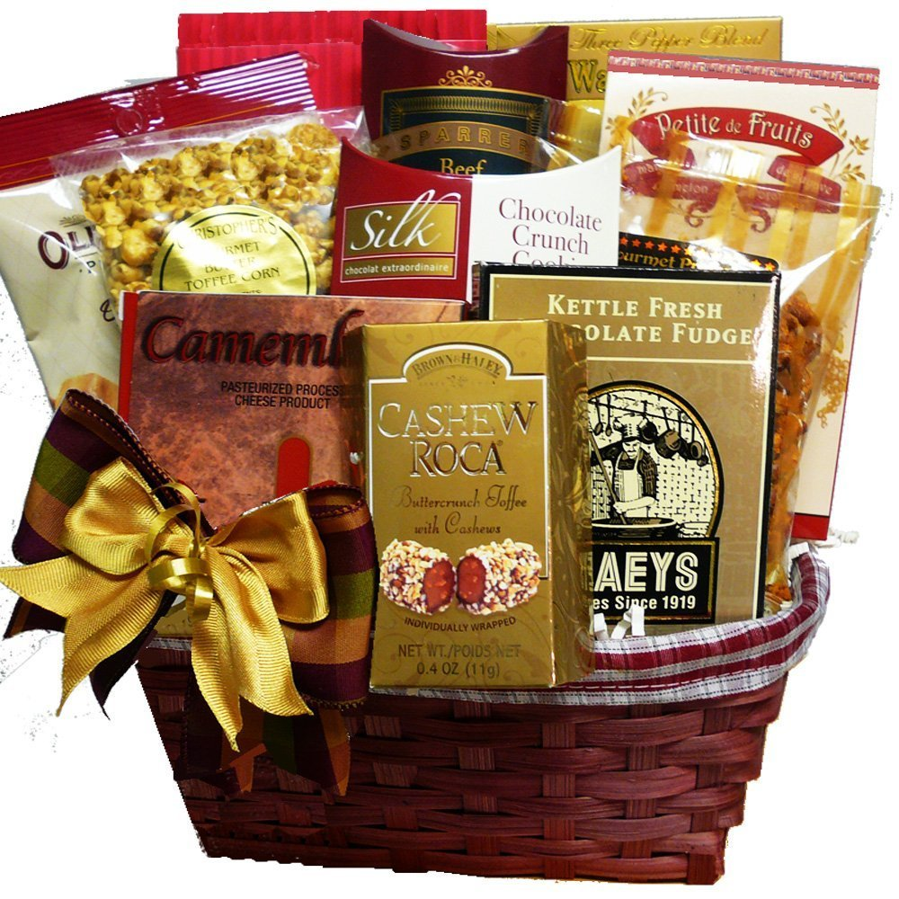 Amazon.com : Snack Lovers Gourmet Treats Gift Basket : Gourmet ...