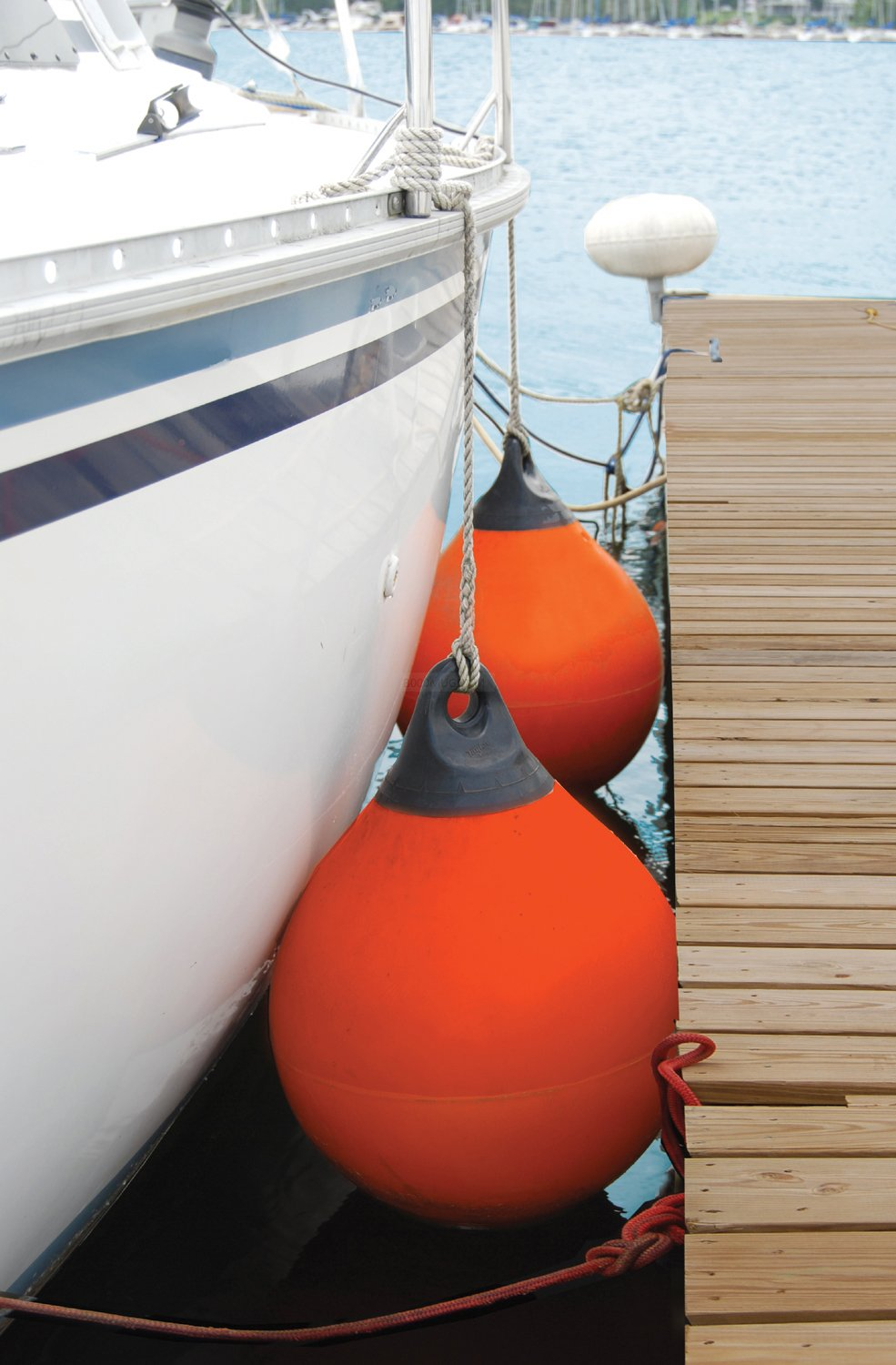 White 27 inch Diameter Taylor Made Products 1155 Tuff End Inflatable Vinyl Boat Buoy