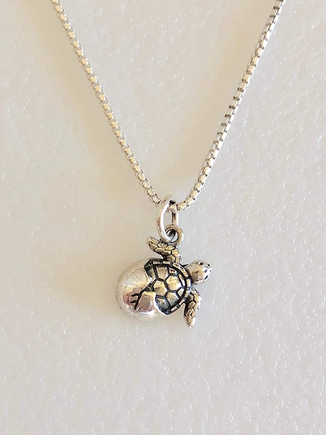 Brand New 925 Sterling Silver Small Turtle Pendant Necklace Gift Boxed