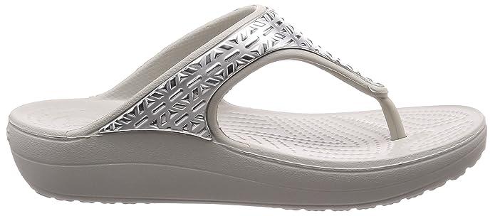 Amazon.com: Crocs Women s Sloane Graphic Etch metálico con ...