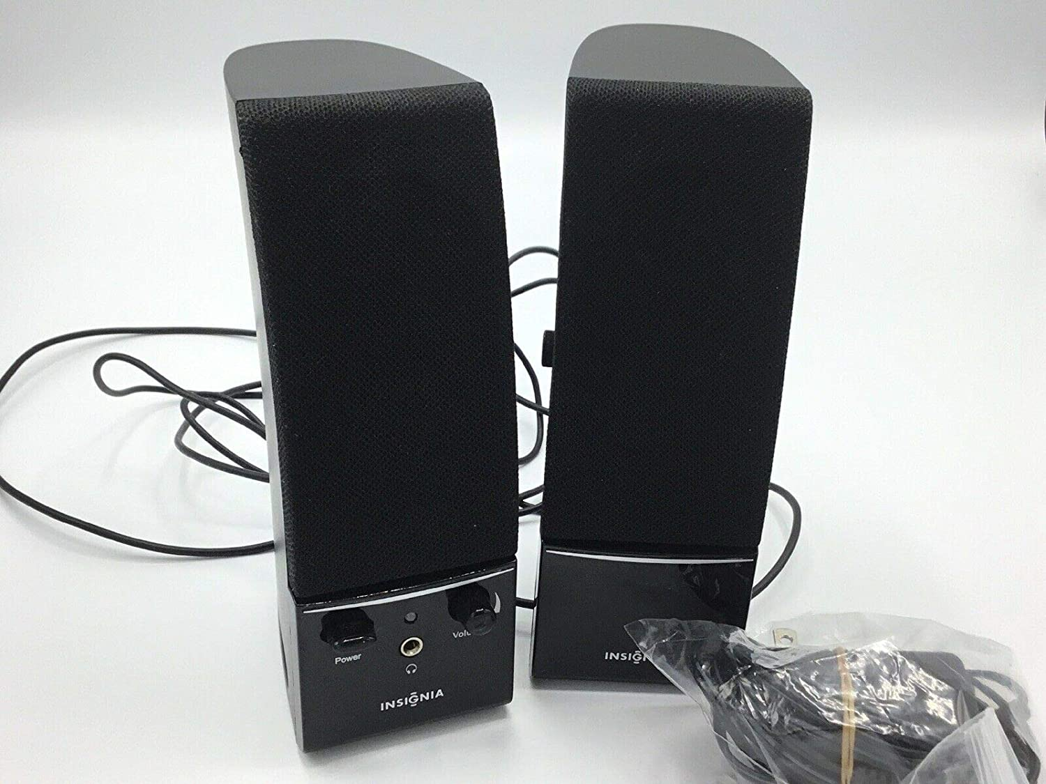 Insignia NS-PCS20 2.0 Stereo Computer Speakers