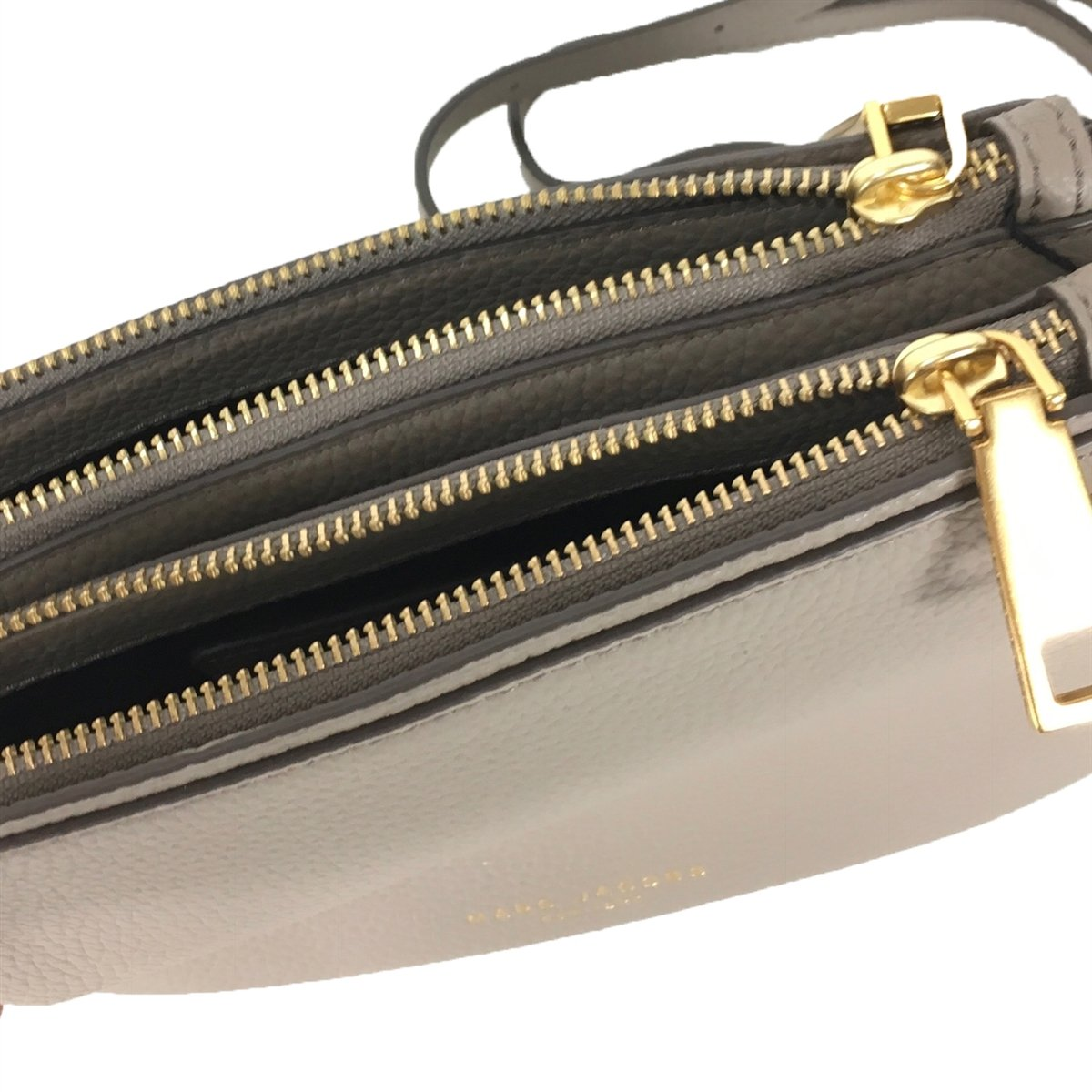 c853c82d03d Amazon.com: Marc Jacobs Pike Place Double Percy Leather Crossbody,Cement:  Clothing