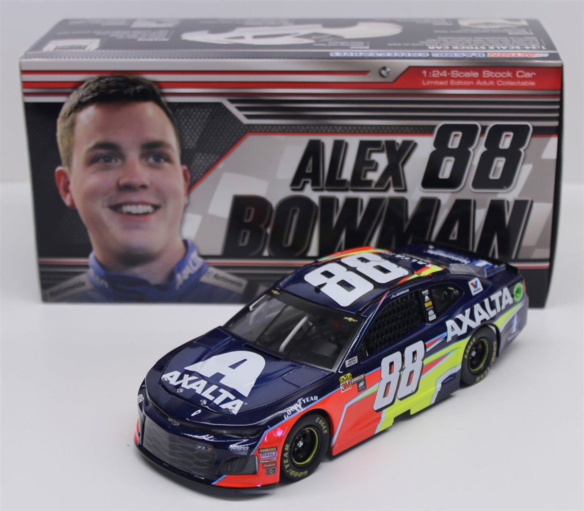 Lionel Racing Alex Bowman 2018 Axalta NASCAR Diecast 1 24 Scale