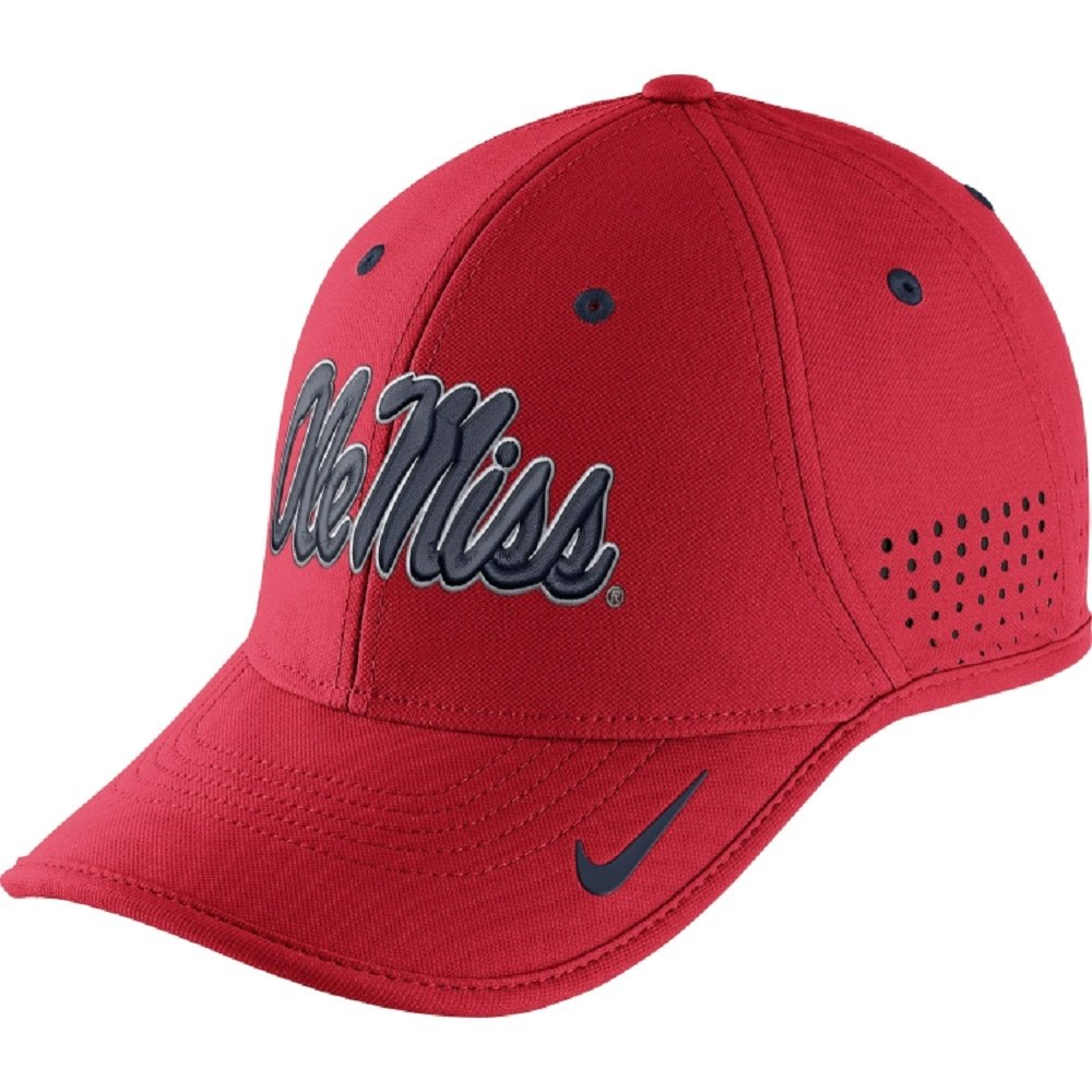 low priced 8b1cd 3f3f9 Nike Ole Miss Rebels Performance Dri-Fit Legacy 91 Coaches Hat, Red,  Adjustable  Amazon.in  Clothing   Accessories
