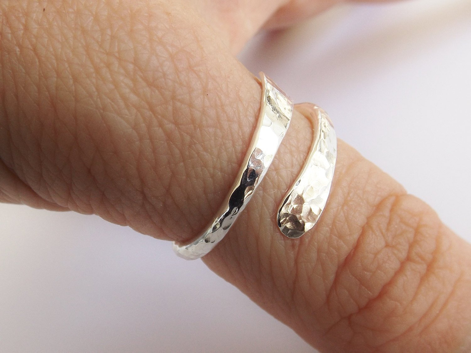 Bypass Thumb Ring,Hammered Thumb Ring,Textured Thumb Ring,Wrap Around Ring,Statement Ring,Bypass Ring,Sterling Silver Jewellery,Modern Ring