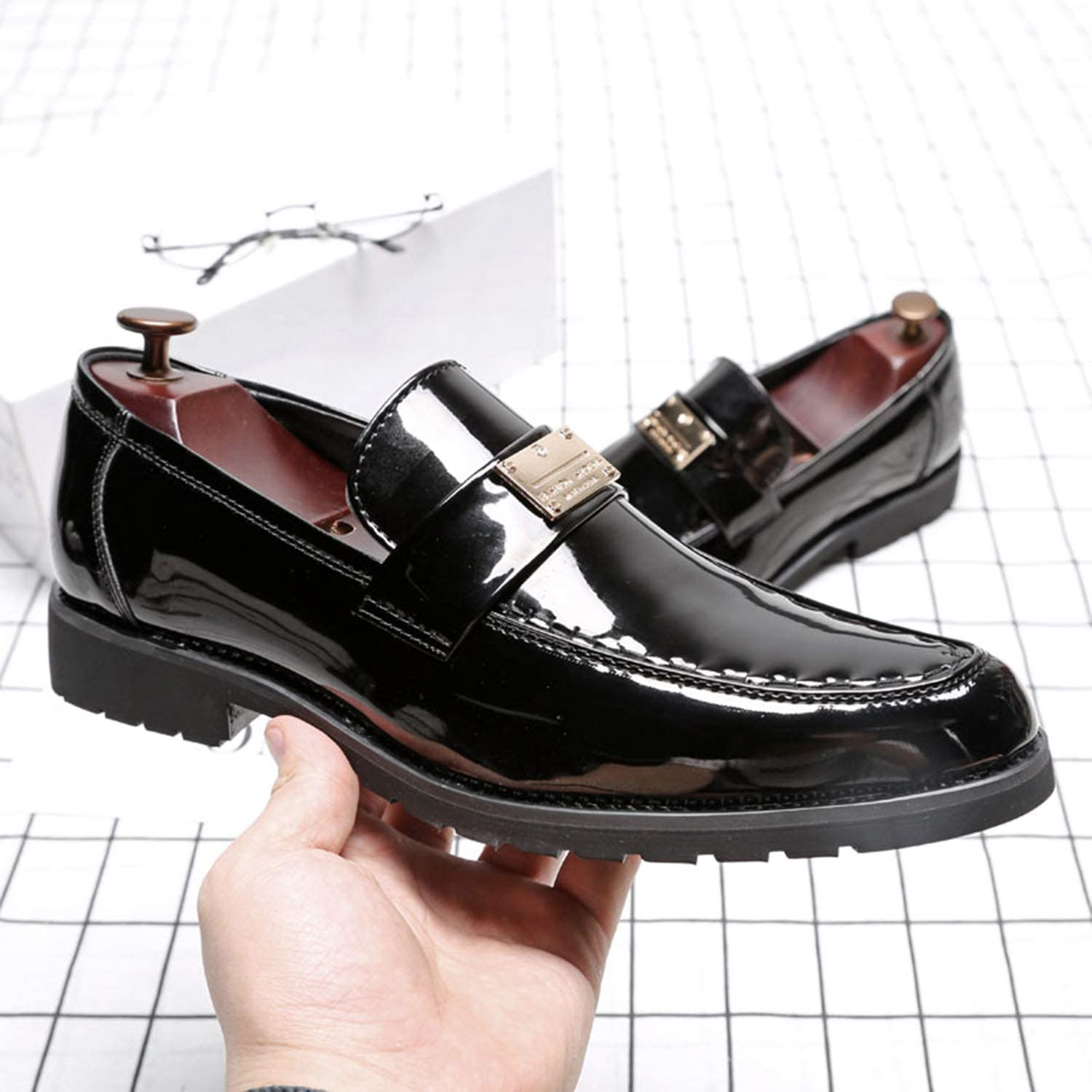 LEOED Men Loafer Glossy Leather Fashion Meatllic Smoking Slipper Pointed Toe Low Heel Striking Shoes Wedding Party Shoes Dress Shoes Size 6-13