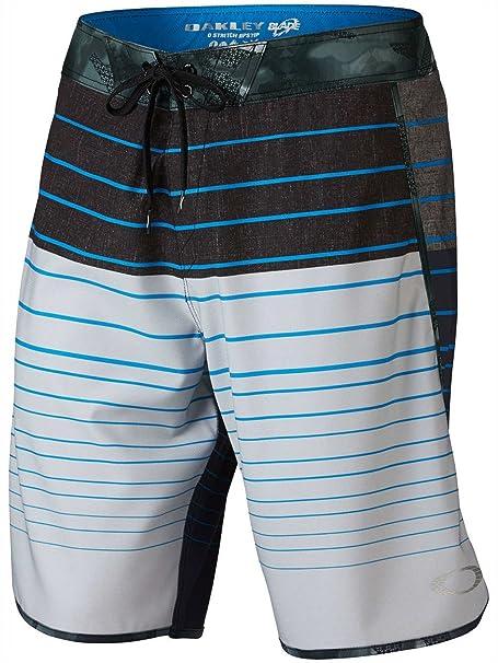23e349163a5524 Oakley Men's Blade Straight-Edge Boardshort Light Grey 32: Amazon.ca ...