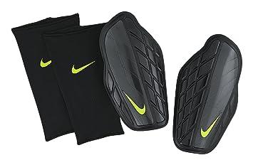 Nike Schienbeinschoner Attack Premium Amazon De Sport