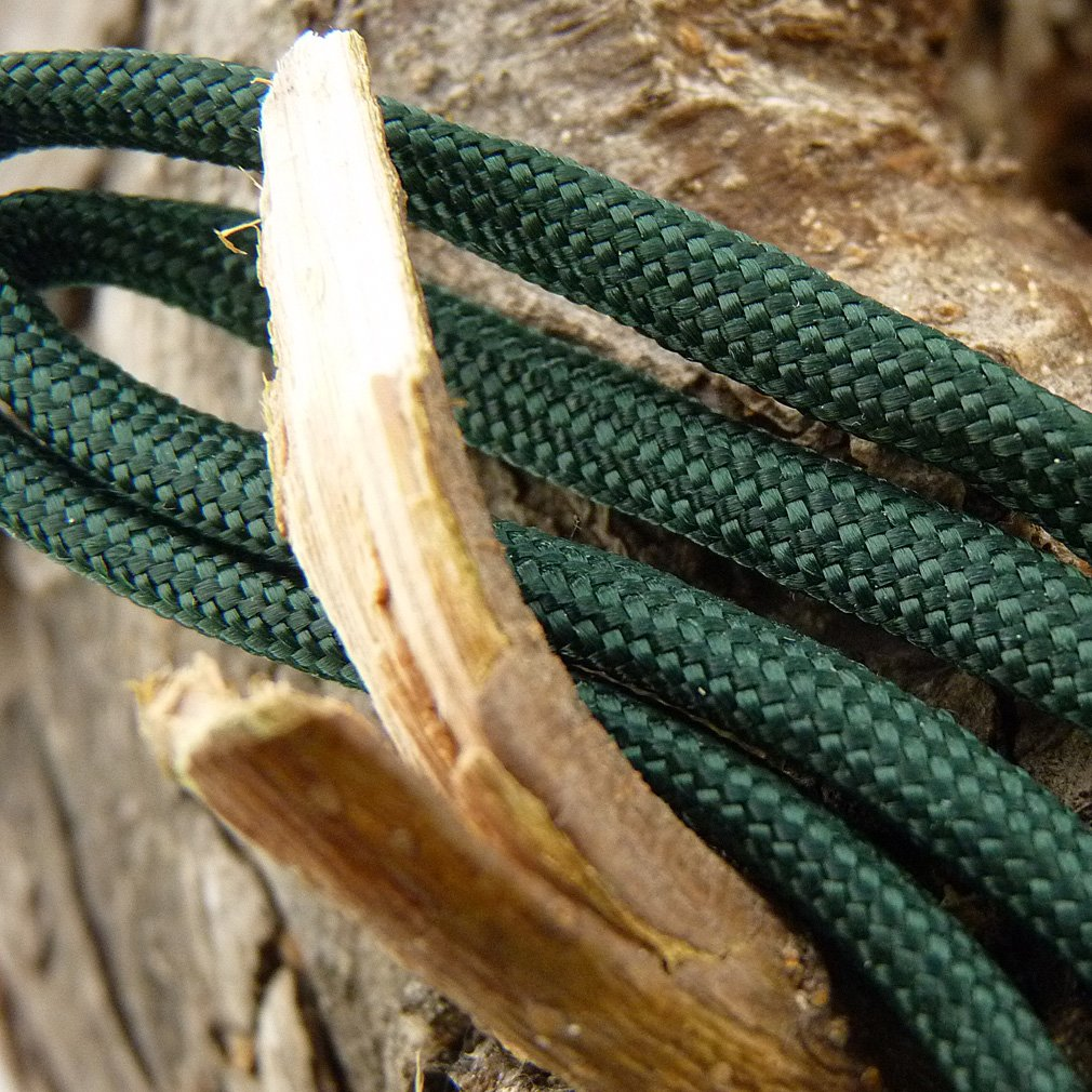Paracord Deep Emerald Green 100 ft. Hank, 7 Internal Strands, 550 Lb. Break Strength.  Military Survival Parachute Cord for Bracelets & Projects.  Guaranteed Made In US.  Includes 2 eBooks. by Dakota Gear (TM) (Image #5)