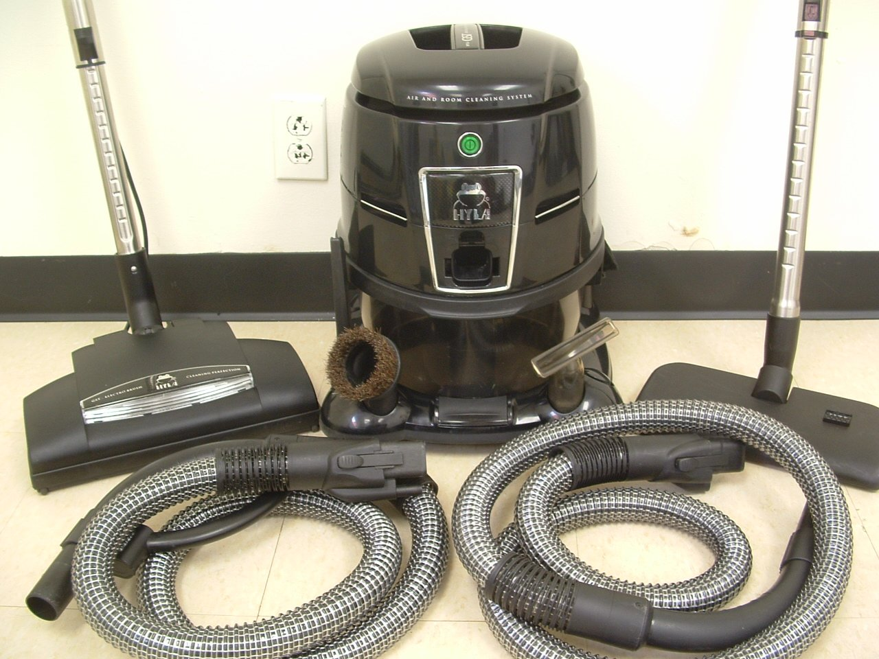 THE LATEST HYLA GST WATER FILTRATION VACUUM WITH ACCESSORIES!