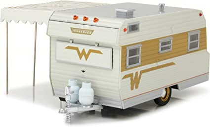 Amazon Com 1964 Winnebago 216 Travel Trailer For 1 24 Scale Model Cars And Trucks 1 24 Diecast Model Greenlight 18420 B Toys Games
