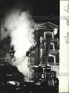 Review 1981 Press Photo Firemen