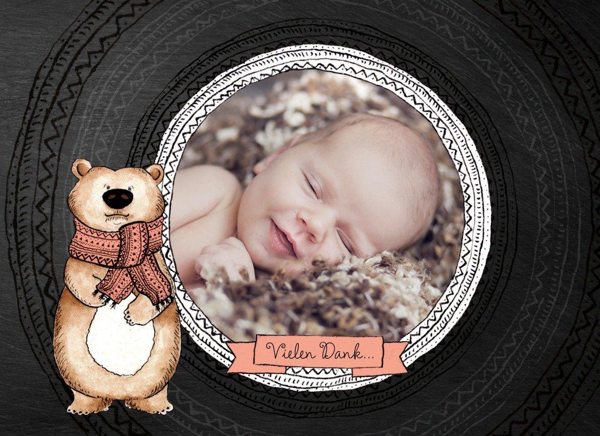 Kartenparadies Danksagung für für für Geburt Baby Dankeskarte Vintage Bär, hochwertige Danksagungskarte Baby inklusive Umschläge   100 Karten - (Format  148x105 mm) Farbe  MattBlau B01N9XDWMS | Elegante Form  | Qualität zuerst  | Klein und fein  e0be6e