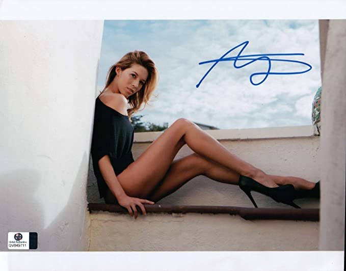 Alicia Vela Signed Autographed 8x10 Photo Gorgeous Sexy Legs Heels Gv849711