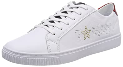 a6c26e136 Tommy Hilfiger Women s Tommy Star Metallic Sneaker Low-Top  Amazon ...