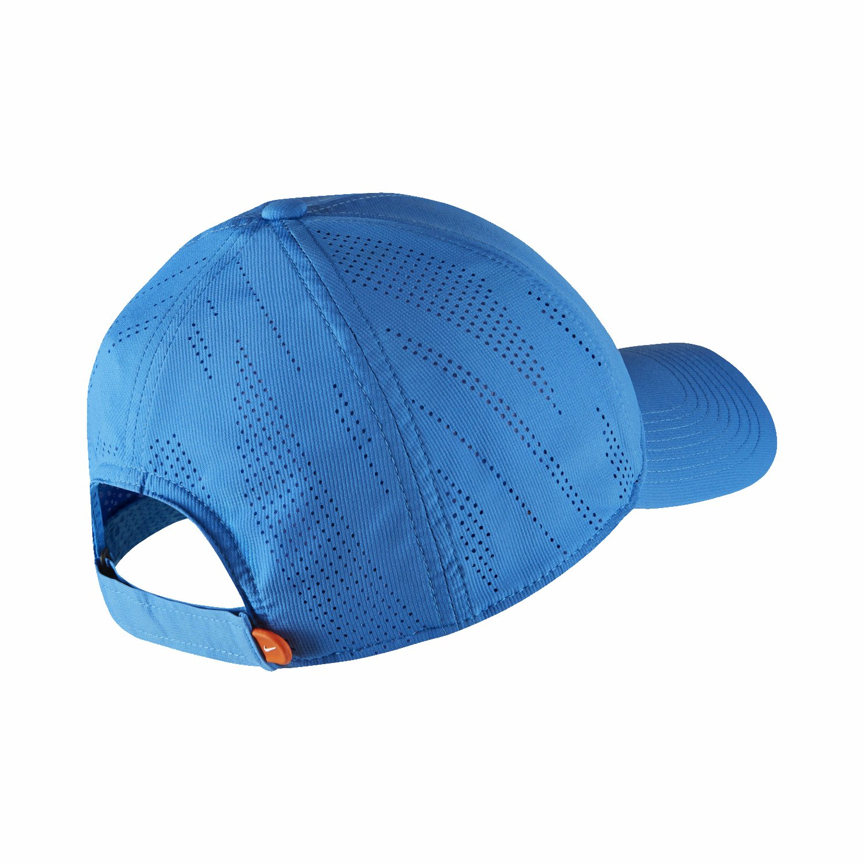 34aab1da5c94f Nike Men s Cap (836081-481 Italyb White One Size)  Amazon.in  Clothing    Accessories