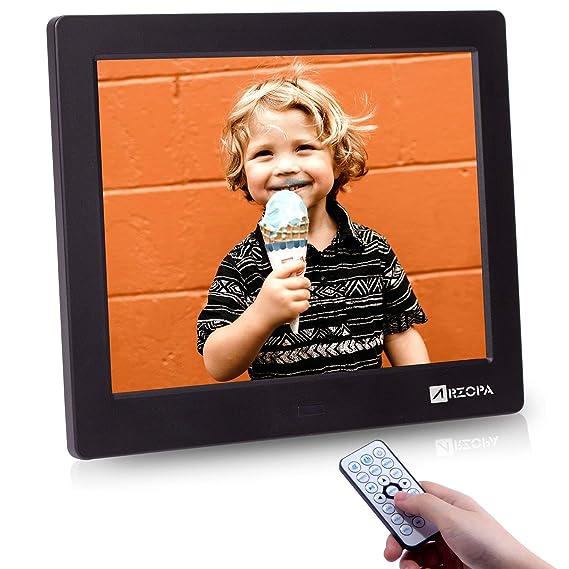 ARZOPA Marco Digital de Fotos de alta Resolución 8 pulgadas 1024x768 (4:3) Soporte Reproductor video MP3 MP4 Reloj Electrónico Calendario con Control Remoto ...