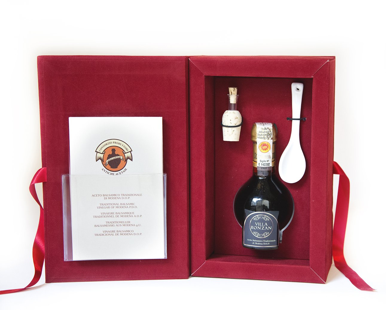 Balsamic vinegar gift set. Aceto balsamico tradizionale of Modena. Aged 25 years. DOP certified from Villa Ronzan