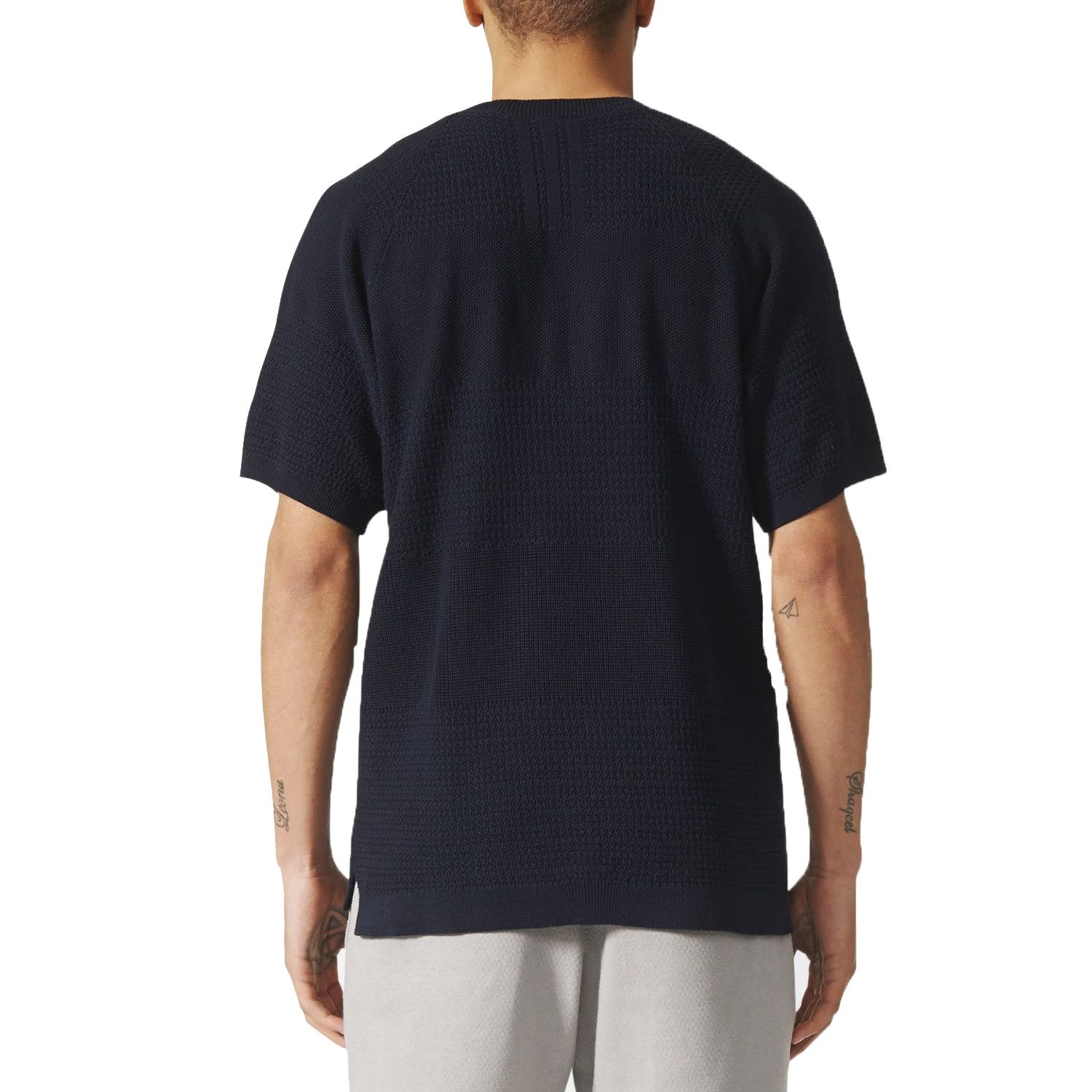 the best attitude 77b73 a94fd Adidas Mens Wings + Horns Linear Tee Night Navy BK0238 (Size S)  Amazon.in Clothing  Accessories
