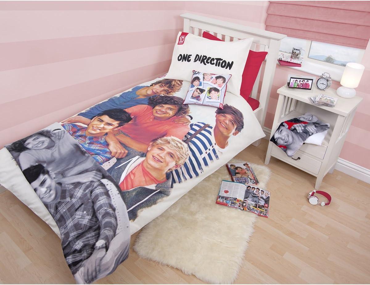 Inklusive 1 x Kissenbez/üge. 135cm x 200cm One Direction Sweethearts Doppelbettbezug gesetzt