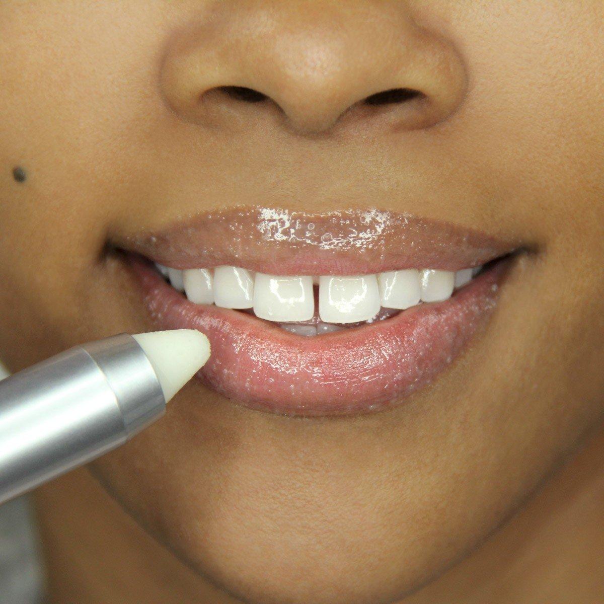 Plumping Lip Exfoliator by pür #6