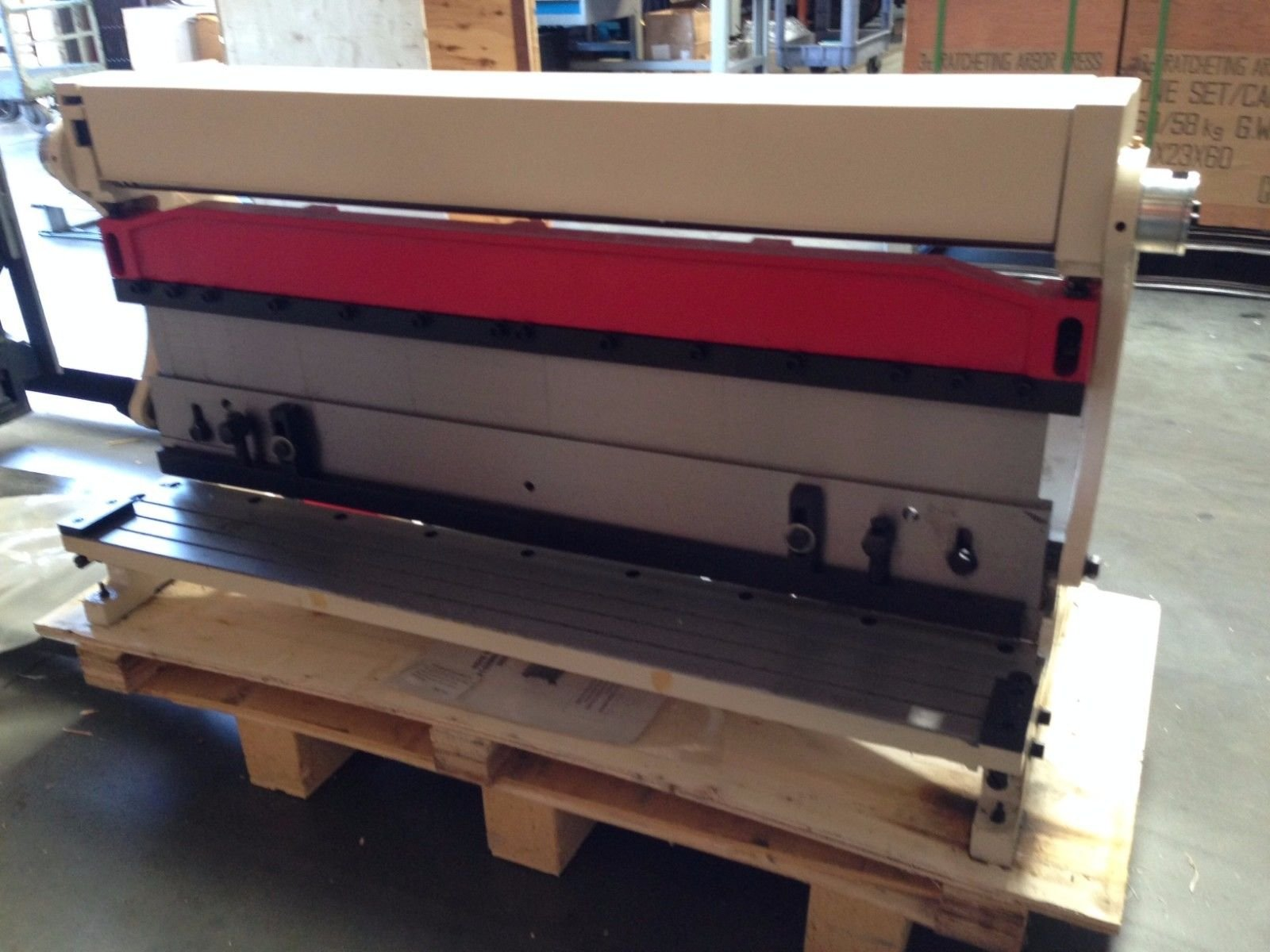 HHIP 8600-4028 Steel 3-in-1 Sheet Metal Machine, 22 Gauge, 40'' Size
