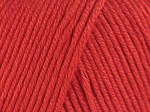 Hilo de estambre DK Snuggly, Baby, Bamboo. Color rojo