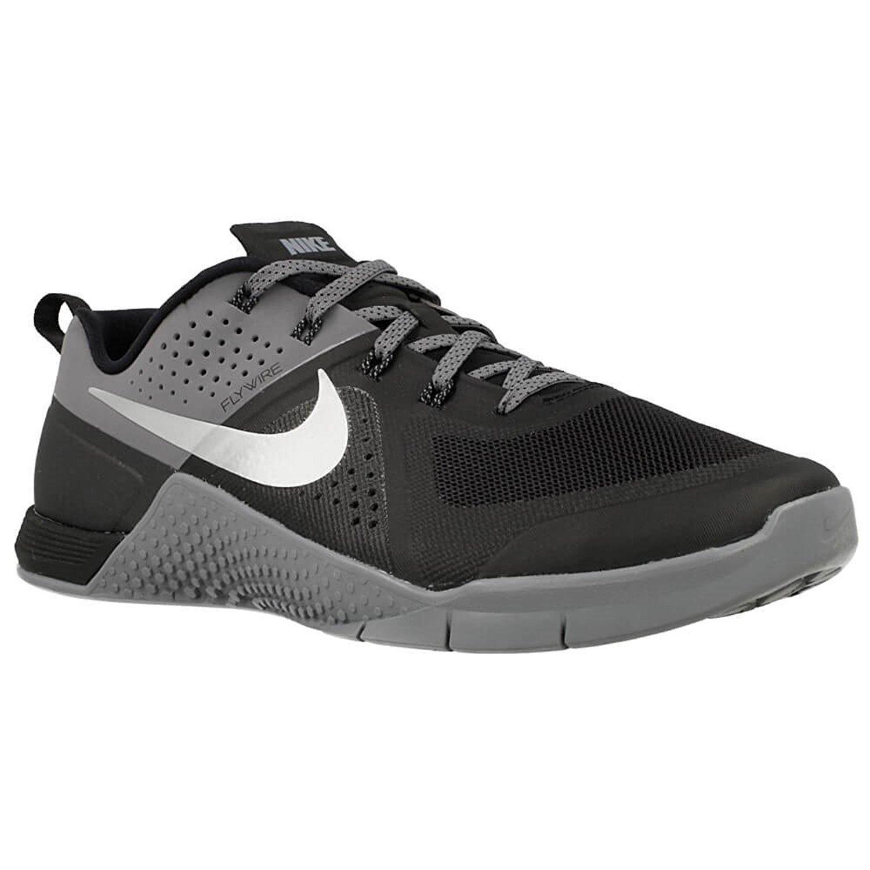 new style 6ff5d d2a44 Amazon.com   Nike Metcon 1 Mens Cross Training Shoes (8 M US, Black Metallic  Siver)   Fitness   Cross-Training