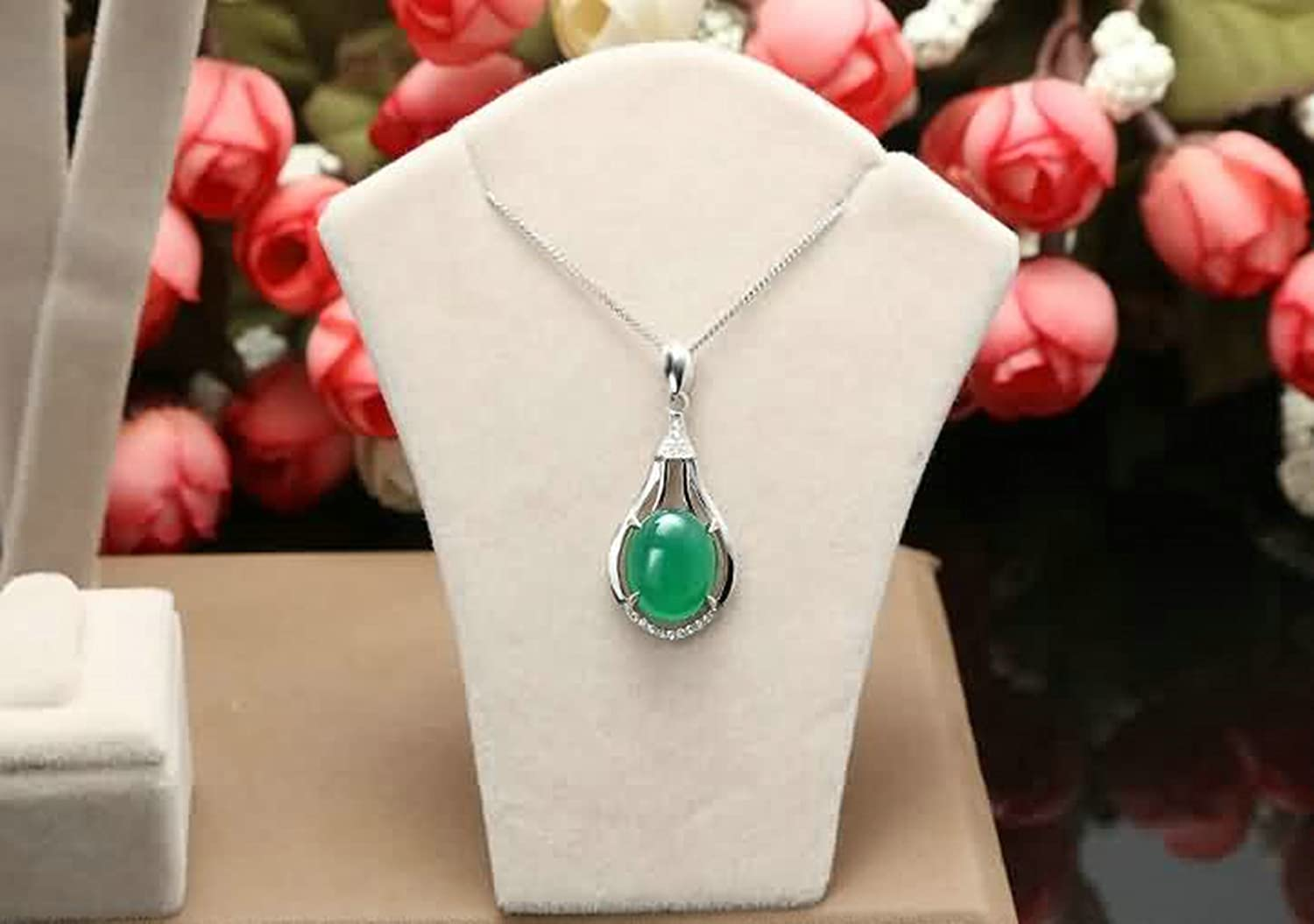Aokarry Womens 925 Silver Sterling Pendant Necklace Gift for Mothers Day Geometry Oval Cubic Zirconia Silver Green