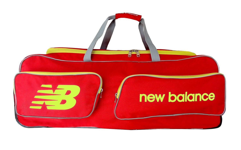 97d9f33c26 New Balance Club Wheelie Bag: Amazon.co.uk: Sports & Outdoors