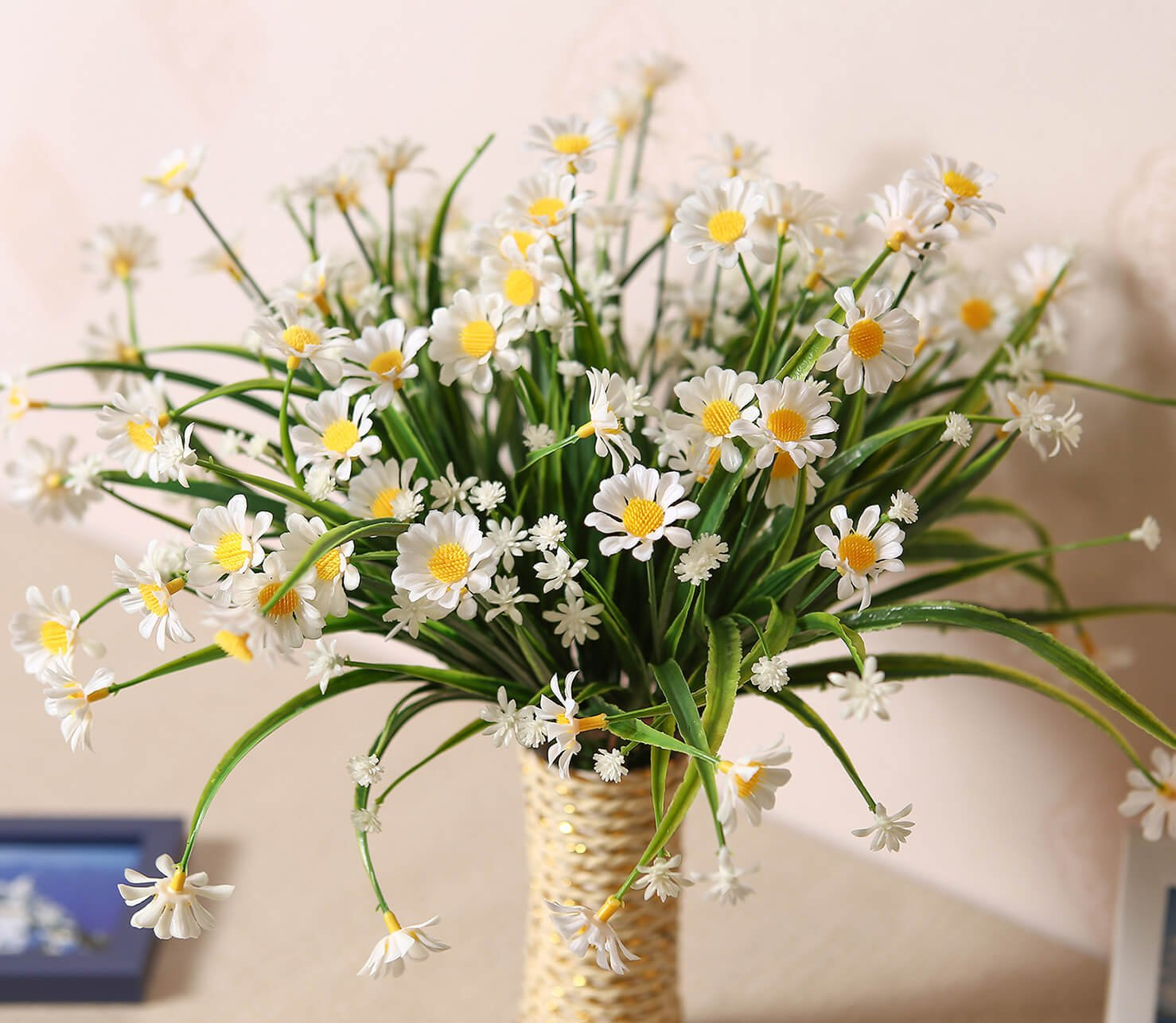 E-Hand Daisies Artificial Flowers Outdoor UV Resistant Daisy Fake Plant Wholesale Windowbox Faux Greenery Shrubs Simulation Plastic Bushes Indoor Hanging Planter DIY Wedding Balcony Decor - 4 PCS
