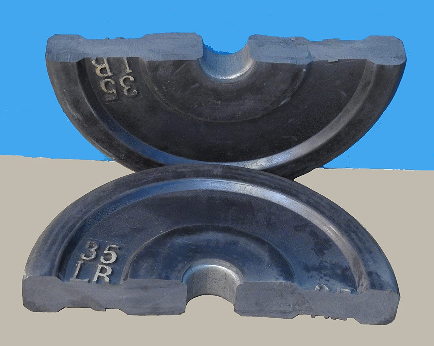 TDS 70lbs 2 x 35lb Virgin All Rubber Bumper Plates. Designed for CrossFit workout and Fitness Training. Purpose of placing Steel plates inside is only to reduce production costs, will split soon.