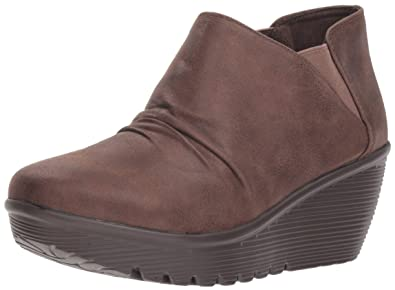 5b1d992dc4d Skechers Women s Parallel - Curtail - Twin Gore Ruched Bootie Ankle Boot