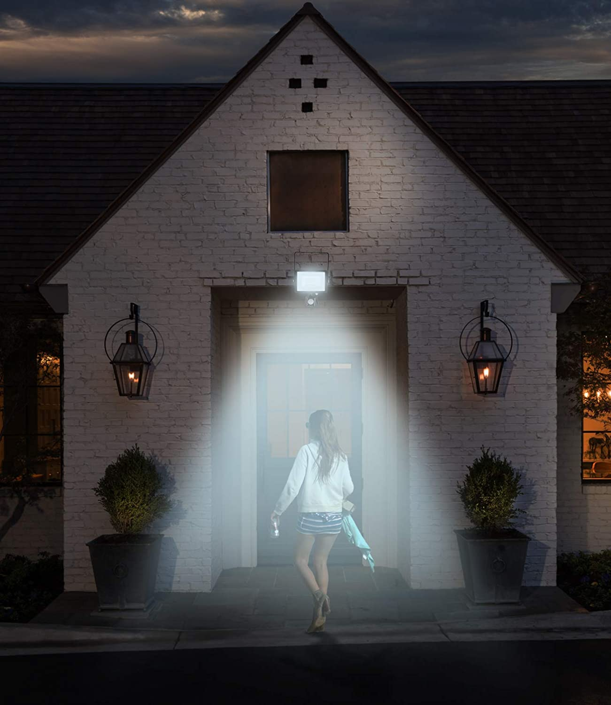 Fluter mit Samsung LED Wei/ßes Geh/äuse Wei/ßes Glas IP65 6400K Wei/ß 2550 Lumen ideal f/ür garten oder garage V-TAC 30W mit Bewegungsmelder Wasserdichtes Au/ßen-Sicherheits-LED-Strahler