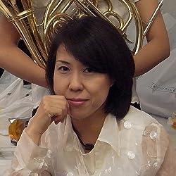 ブロンドヘアーの田中裕子さん