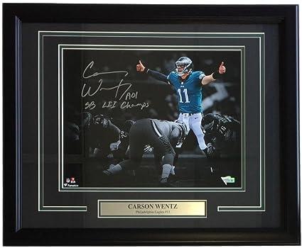 319fcff7 Carson Wentz Signed Framed 11x14 Philadelphia Eagles Spotlight Photo ...