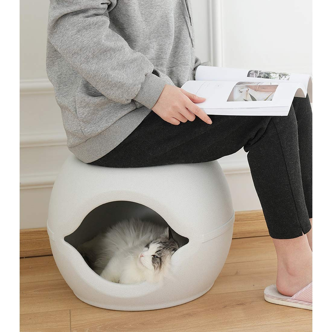 A Pet Kennel Eggshell Creative nest Moisture Proof Heat Resistant Resistant to Catch Simple Safety Can be Used as a Stool Durable Made of PP Resin,A