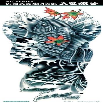 Negro tatuado masculino Body Art brazo manga tatuaje gran cráneo ...