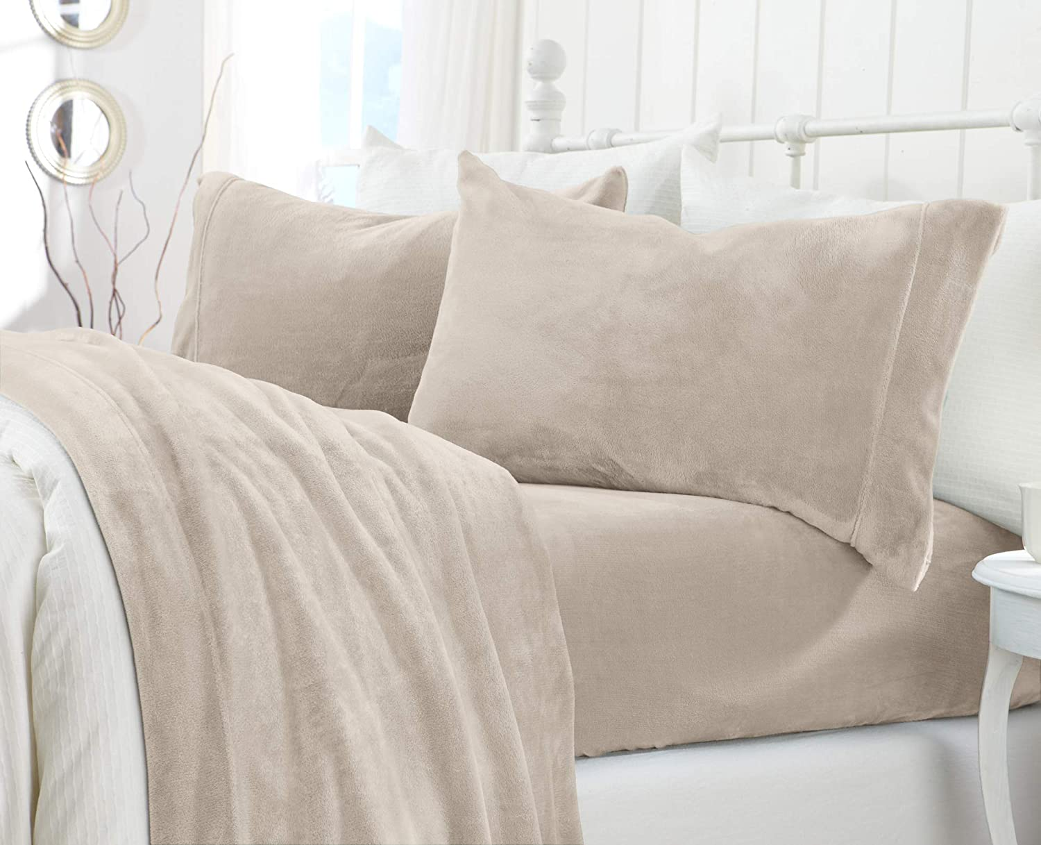 Extra Soft Cozy Velvet Plush Sheet Set. Deluxe Bed Sheets with Deep Pockets. Velvet Luxe Collection (Queen, Light Grey)