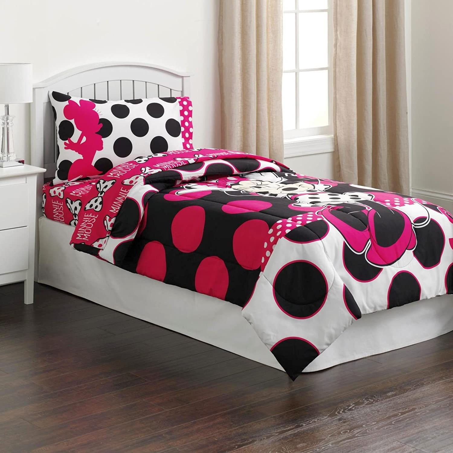 Amazon Com Disney Minnie Mouse Twin Sized 4 Piece Bedding Set