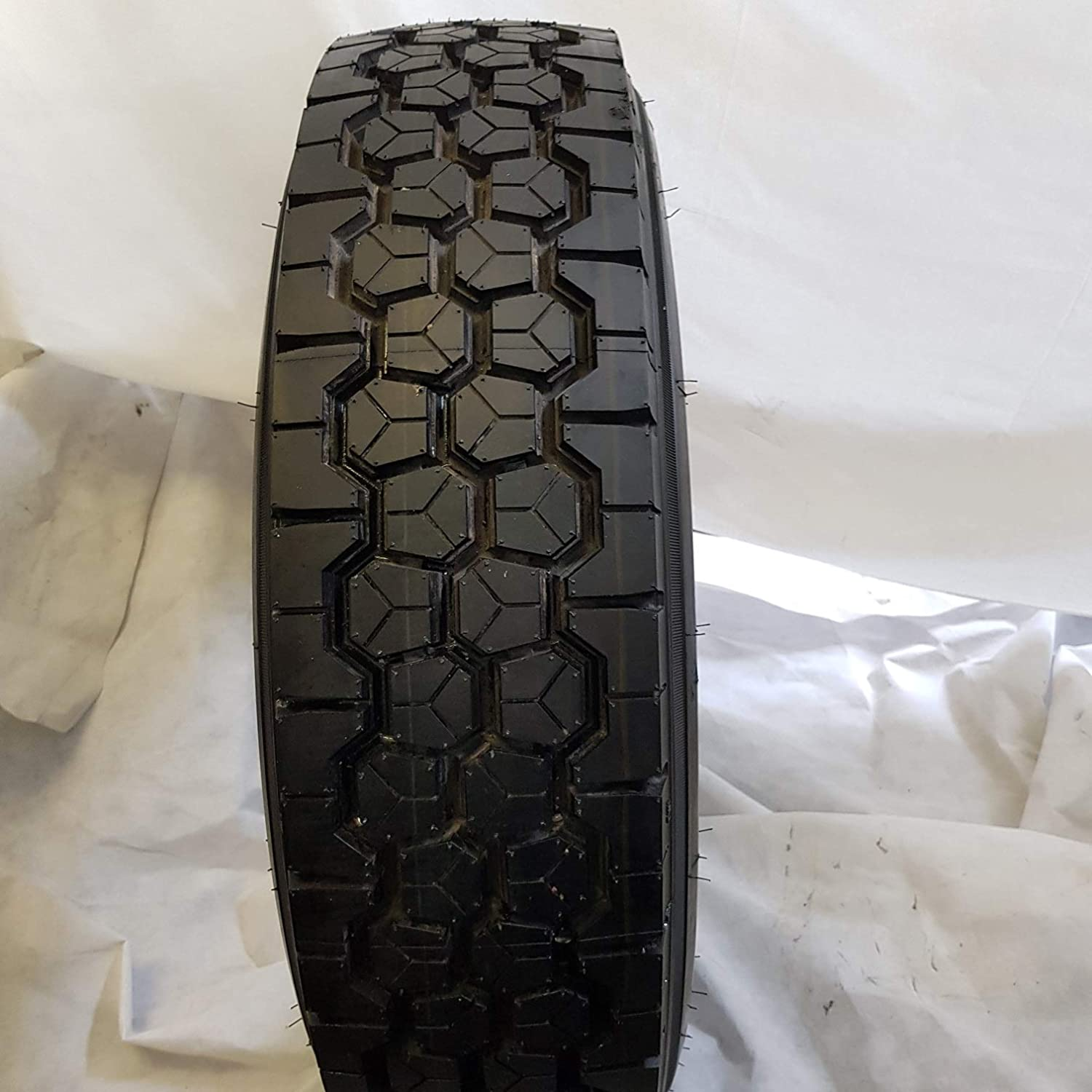 1 TIRE 245//70R19.5 NEW ROAD WARRIOR HANKONG 135//133M DRIVE TIRES 16 PLY 24570195