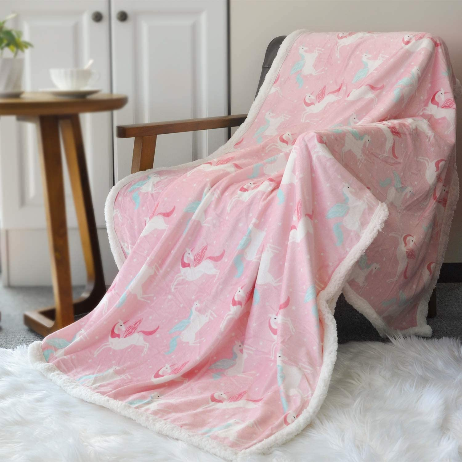 BORITAR Sherpa Throw Blanket Super Soft Warm Ultra Luxurious Fleece Blanket for Children Teens, Young Girls or Adult Minky Blanket with Sherpa Plush Backing (50 x 60 Inch, Lovely Pink Unicorn)
