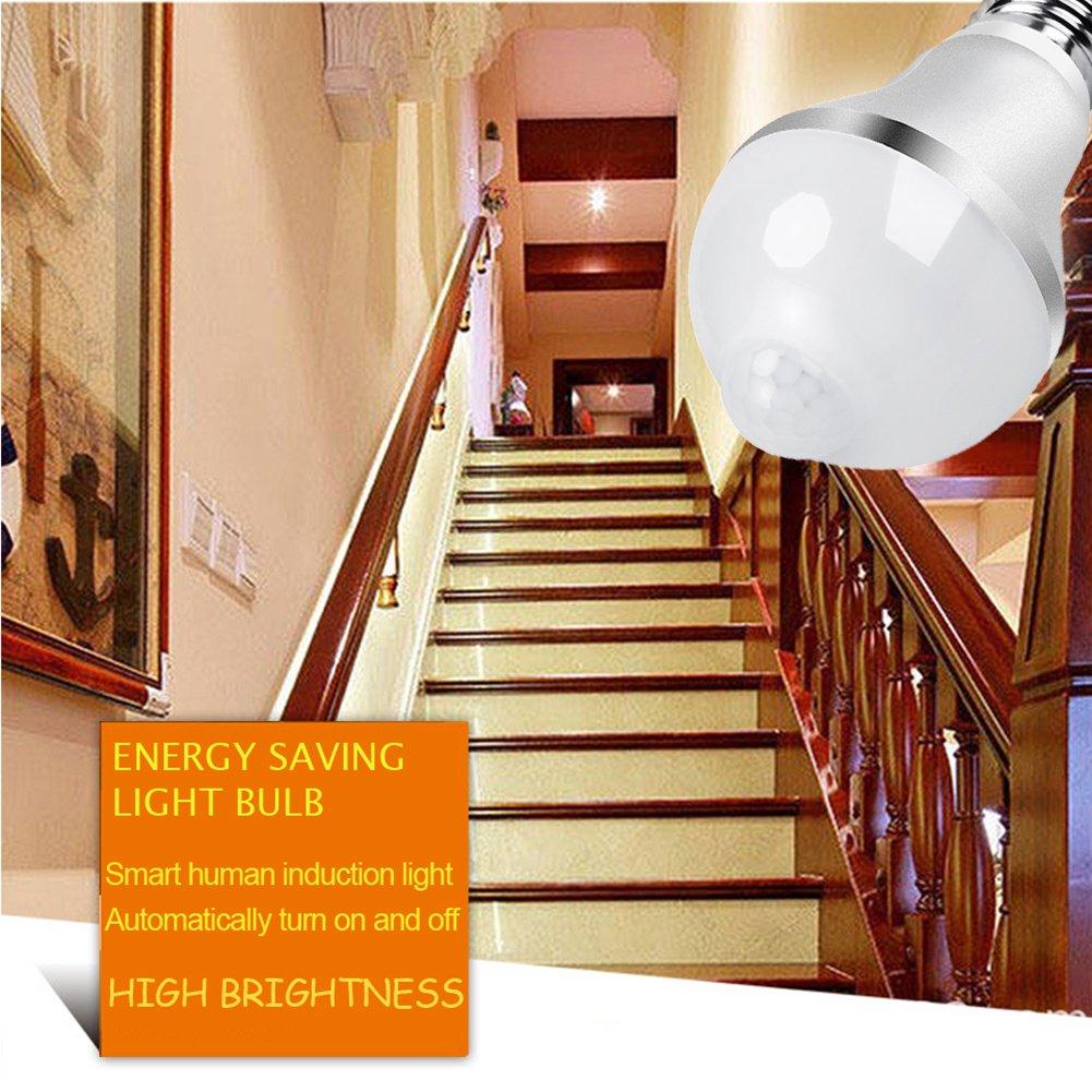 Aukora 9W Motion Sensor Light Bulb - E26/E27 LED Light Bulb with PIR Motion Sensor for Front Door Garage Carport Basement Corridor Hallway Stairs Attic, Cold White with Auto Switch