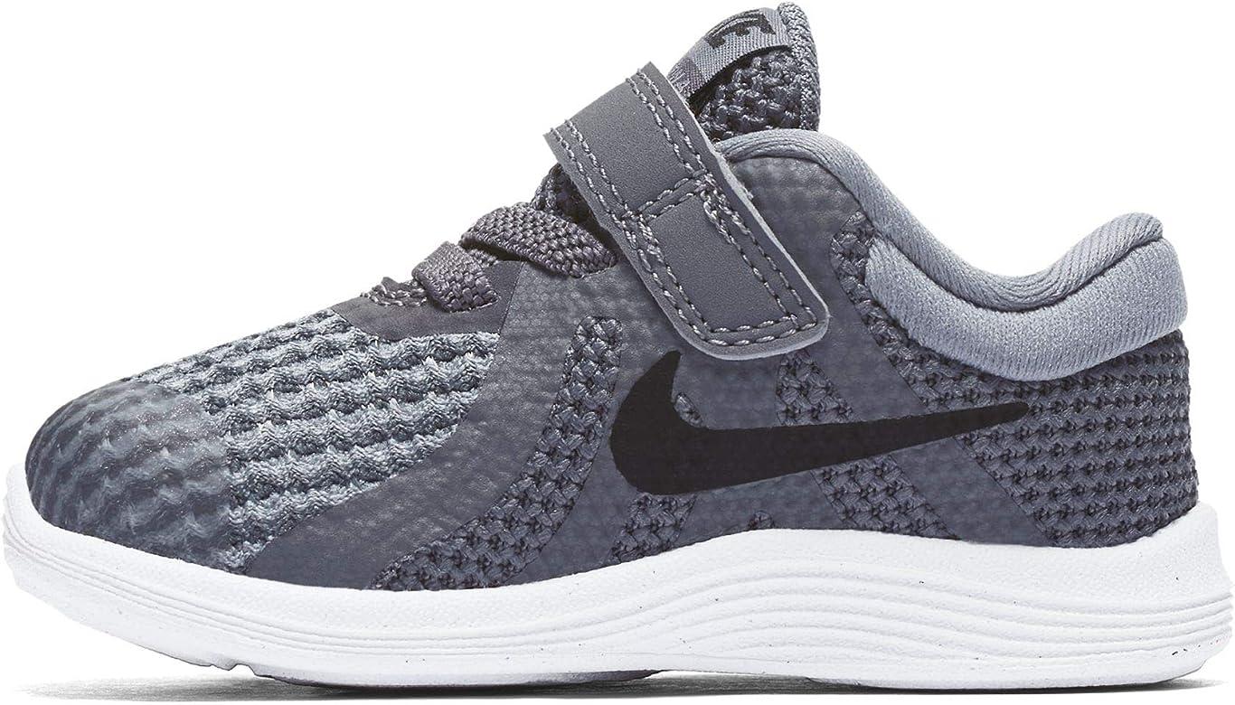 c92086fc5d0e8 Nike Boys  Revolution 4 (TDV) Running Shoe