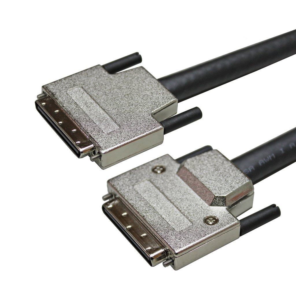 USAC SCSI â…¢ 68P Plug VHDCI W/Thumb Screw Cable(7M) by USAccessories