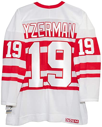 820db8572 Steve Yzerman Detroit Red Wings 1992 Alternate CCM Jersey Sewn Tackle Twill  Name and Number (