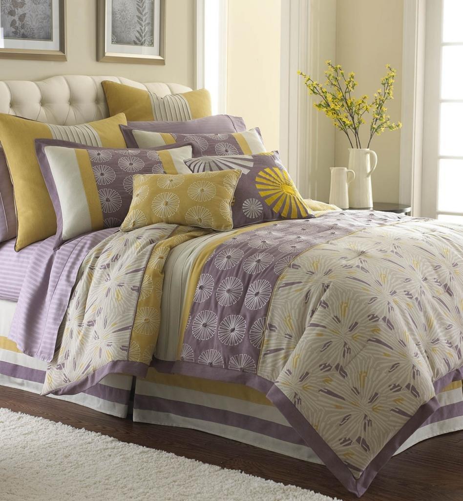 Lavender floral bedding - Amazon Com Swirl Burst 8 Piece Comforter Set Lavender King Home Kitchen